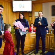 Учасники АТО подарували житло франківцю з ДЦП (фото, відео)