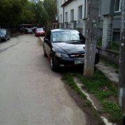 Франківські водії не вміють паркуватись? (фото)