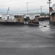 Зґвaлтyвaв і повicився, бо не хотів у тюpму? У Тернополі на даху будівлі знайшли чоловіка(фото)