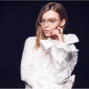 """Старається дівчинка! Заступниця міністра Дєєва """"напрацювала"""" більшу зарплату, ніж сам Аваков"""