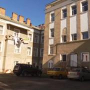 Діряві матраци, палаюча проводка – дитяча лікарня з фільму жахів на Прикарпатті (Відео)