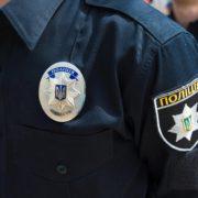 Косівщина: жінка зняла на відео вщент п'яного поліцейського у формі (відео)