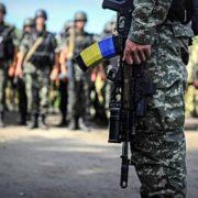 В Івано-Франківську військові на вулиці перевірили документи у студента. Батько — обурений