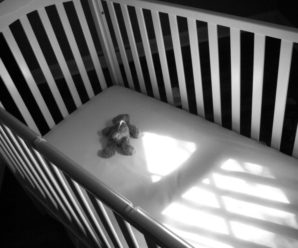 На Прикарпатті у сім'ї, в якій помер однорічний хлопчик, уже помирала дитина