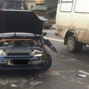 У Ямниці автомобіль зіткнувся з фурою: є потерпілі. ФОТО
