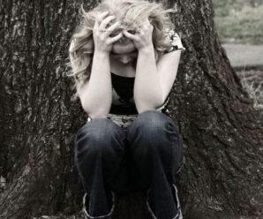 15-річна «кременчанка», що різала собі вени і кидалася під авто, насправді зі Збаражчини
