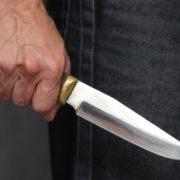 У Франківську водій маршрутки злякався пасажира і взяв до рук ножа