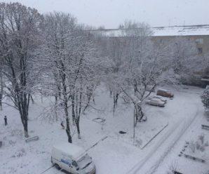 Неймовірні фото! Прикарпаття засипає снігом (фоторепортаж)