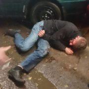 Самосуд для п'яного водія: чоловік мало не вбив трьох дітей. ФОТО