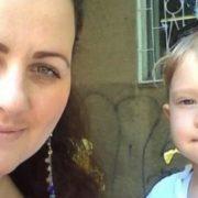 """""""Завтикав"""" у телефон: у Миколаєві водій збuв на пішохідному переході маму із трирічною дитиною(відео)"""