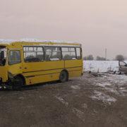 Травми різного ступеня тяжкості внаслідок ДТП, водій таксі з Прикарпаття трагічно загинув на Буковині (фото)