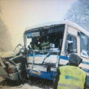 На Львівщині пасажирський автобус зіштовхнувся з автомобілем, є постраждалі (фото)