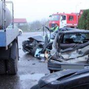На Львівщині вантажівка влетіла у легковик: водій помер на місці