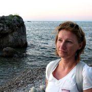 """""""Думала, попрацюю рік і повернуся"""": українка вже більше 15 років живе в Італії і допомагає бiйцям АTО"""