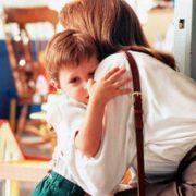 Прикарпатців закликають добре подумати перед тим, як покидати дітей заради заробітків