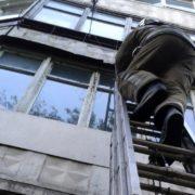 В Івано-Франківську «надзвичайники» та медики рятували життя 14-річному школяреві