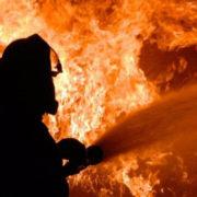 У Ворохті згоріли сувенірні будиночки