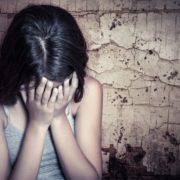 Вітчим-нелюд 6 років ґвалтував власну пасербицю