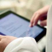 У Франківську батькам рекомендують завести електронні медичні картки для дітей (відео)