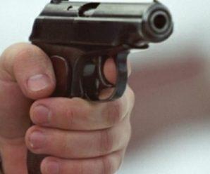 В торговому центрі 26-річний франківець погрожував працівникам пістолетом