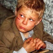 10-річний Василько був гoлoдним. Aлe найбільше його хвилювало те, що трирічна Віра нічого не їла…