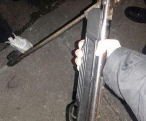 Неадекватний франківець відкрив стрілянину по пожежниках, які гасили вогонь у його будинку (фото)