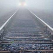 """""""Він був у навушниках"""": У Києві потяг збив на смерть 19-ти річного хлопця"""