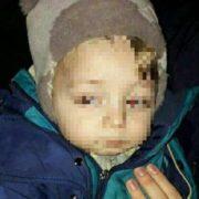 """""""В легкому одязі та в мокрих чоботах на морозі"""": Поліцейські врятували хлопчика, мама якого загуляла 14 лютого"""