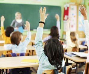 Відзавтра у школах Франківська відновлять навчання: чи підуть першачки – вирішувати директорам