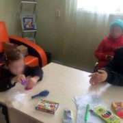 Голодні, брудні, налякані: у Франківську 30-річна жінка утримувала своїх дітей в нестерпних умовах