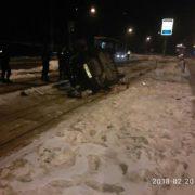 Смертельна ДТП у Львові: Пасажирка загинула, а водій намагався покінчити з життям. Фото з місця події