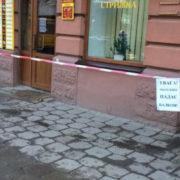 На Січових Стрільців осипався балкон пам'ятки архітектури (фото)