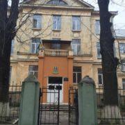 Львівська вчителька заплатить 300 тисяч за смерть учня, поки його мама пила каву