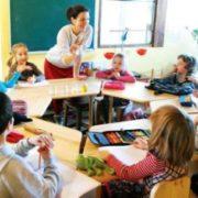 """Без """"домашки"""" і парт рядочками: як навчатимуть школярів з наступного року"""