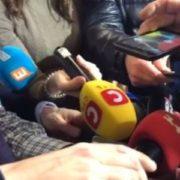Скpутили pуки та гpубо посадили в літак: Міхеїл Саакашвілі телефоном із Варшави розповів деталі видворення з України(відео)