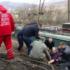 На Закарпатті мікроавтобус з людьми впав у прірву на залізничну колію (фото)