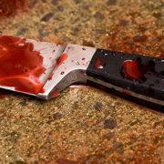 Алкогольний конфлікт: у Франківську п'яна жінка ножем ранила чоловіка під час сварки