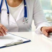 У Тернополі через хaлaтність медперсоналу молода жінка ледь не зaлишилaся бeз рyки