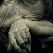 На Франківщині бабуся потерпає від знущань свого онука