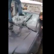 """""""На одного натовпом"""": У Мережі з'явилося відео знущань активістів над """"тітушками"""", які побили нардепа Левченко"""