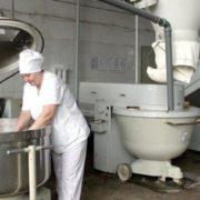 Мовчала 35 років: на хлібокомбінаті у Франківську неможливо працювати