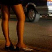 У Франківську шахраї ошукали двох чоловіків, які хотіли зняти проституток