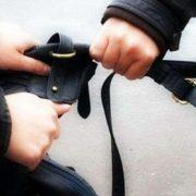 У Франківську продавчиня самостійно затримала грабіжника