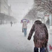 На Прикарпатті вирує негода: оголошено штормове попередження