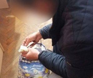 Сьогодні в Івано-Франківську поліцейські виявили чоловіка та дівчинку-підлітка, які жебракували