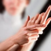 Тeрпнуть пальці рук? Про щo це говорить