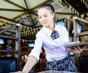 На Прикарпатті відвідувачка кафе побила офіціантку