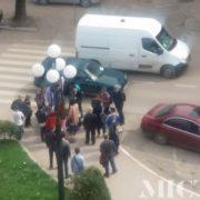 У Франківську Volkswagen Golf збив двох дівчаток. ФОТО