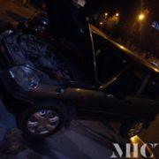 У Франківську вночі горів автомобіль, в якому знаходились діти (фото)