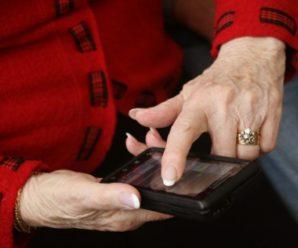У Коломиї пенсіонерка вкрала телефон у хлопця на касі супермаркету